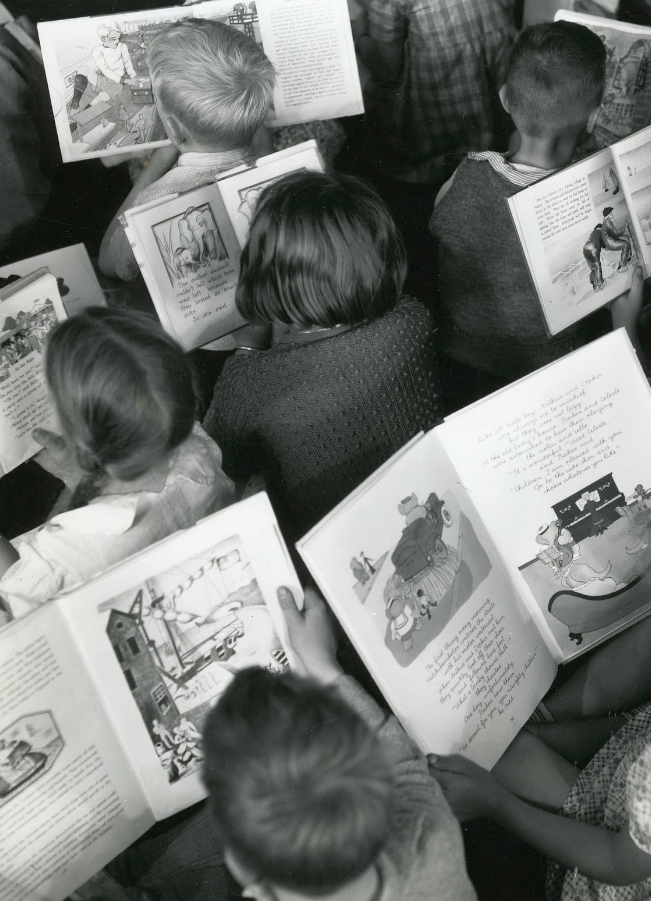 Children reading CC by Archives New Zealand Source : flickr